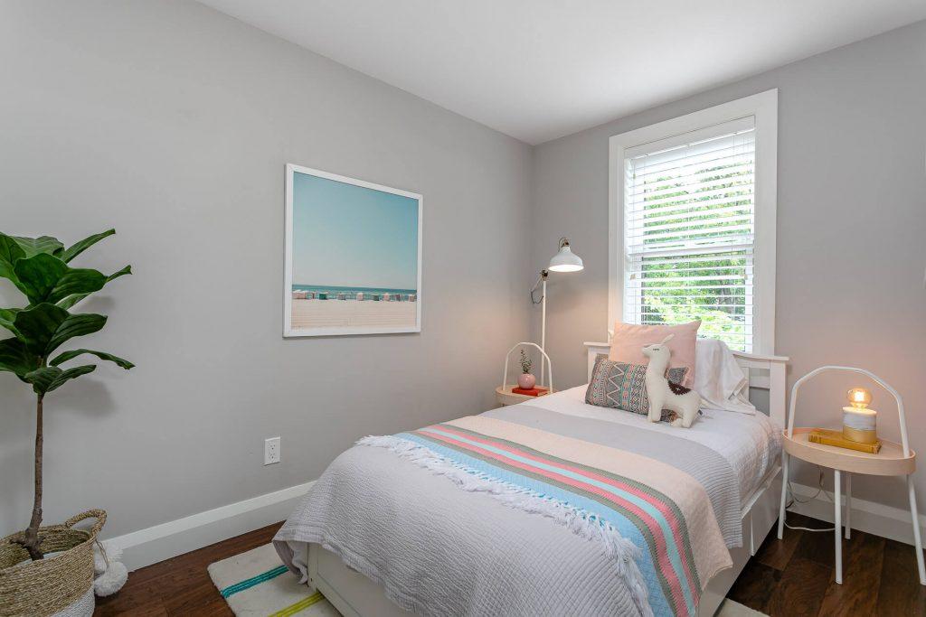 719 Willard Ave Toronto, ON 719 Willard Ave Toronto, ON M6S 3S8 – 2nd Bedroom