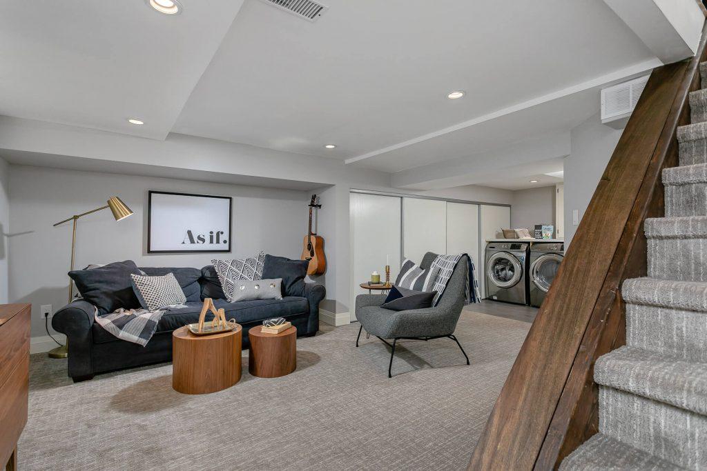 719 Willard Ave Toronto, ON 719 Willard Ave Toronto, ON M6S 3S8 – Basement Living Room