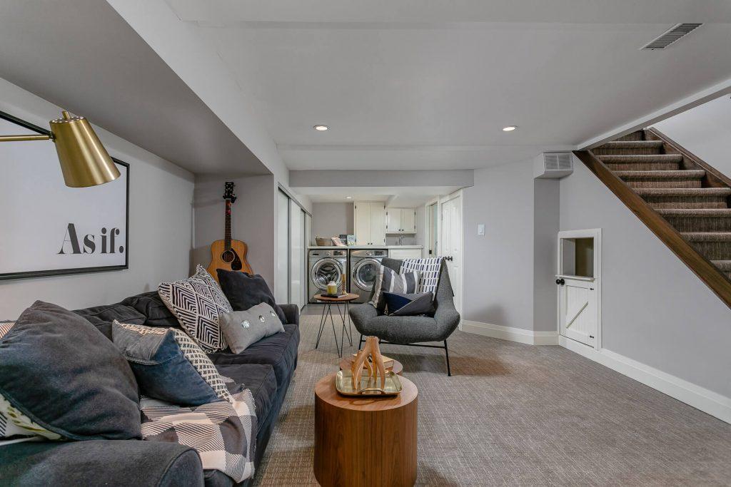 719 Willard Ave Toronto, ON 719 Willard Ave Toronto, ON M6S 3S8 – Basement Living Room 2