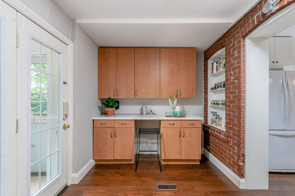 719 Willard Ave Toronto, ON 719 Willard Ave Toronto, ON M6S 3S8 – Family Room 2