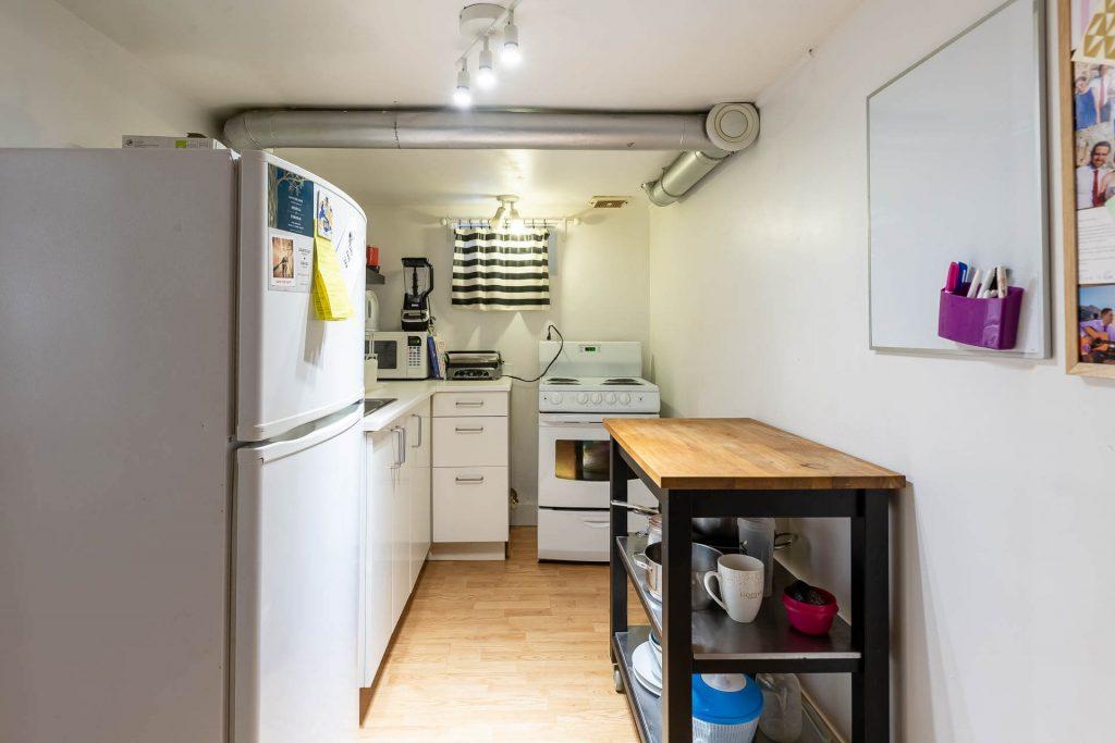 1 1-2 Montrose Ave Toronto ON M6J 2T7 – Basement Apartment Kitchen