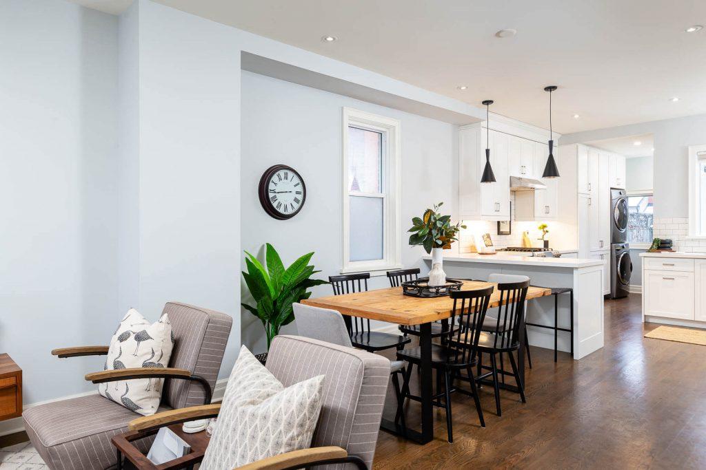 1 1-2 Montrose Ave Toronto ON M6J 2T7 – Dining Area