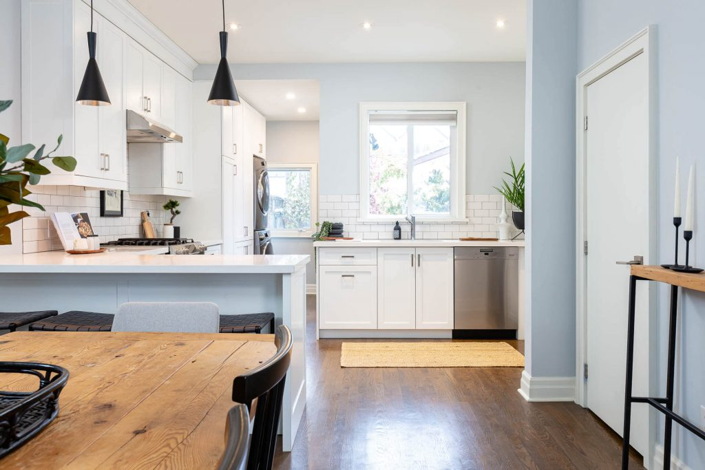1 1-2 Montrose Ave Toronto ON M6J 2T7 – Dining to Kitchen 2
