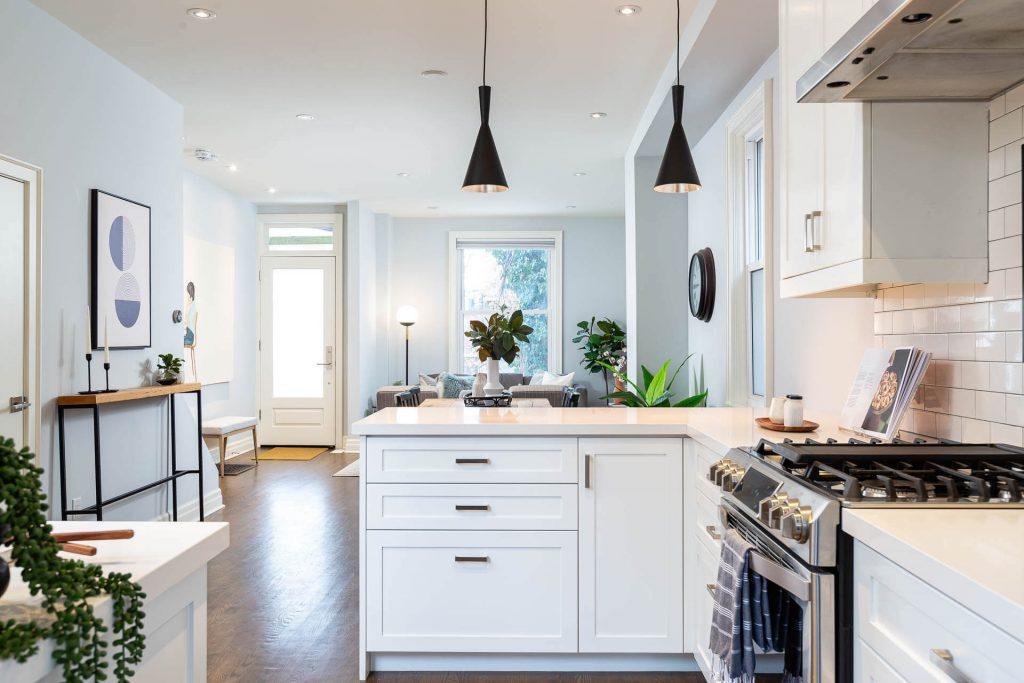 1 1-2 Montrose Ave Toronto ON M6J 2T7 – Kitchen to Living