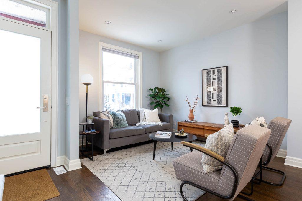 1 1-2 Montrose Ave Toronto ON M6J 2T7 – Living Room