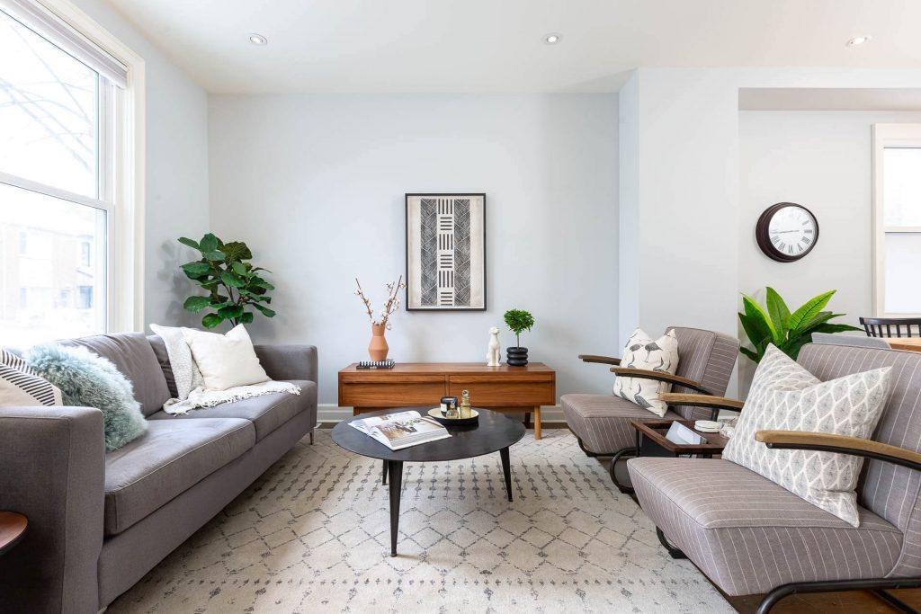 1 1-2 Montrose Ave Toronto ON M6J 2T7 – Living Room 2