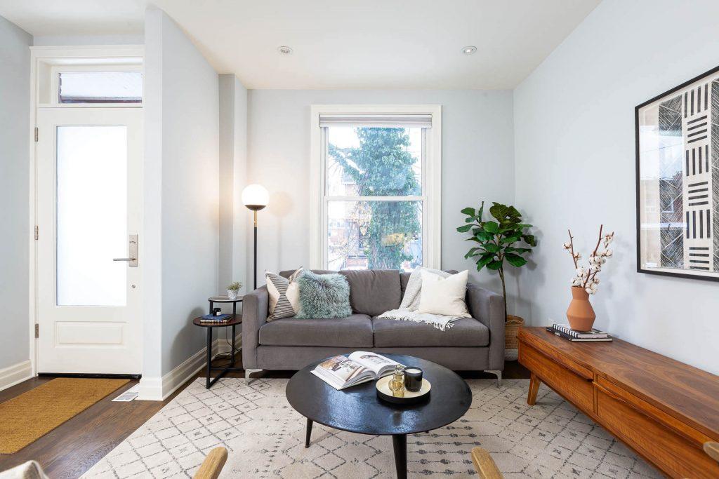 1 1-2 Montrose Ave Toronto ON M6J 2T7 – Living Room 3