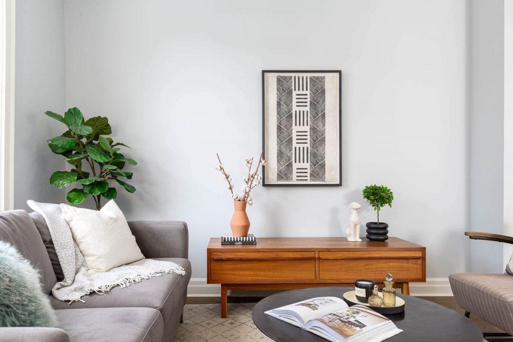 1 1-2 Montrose Ave Toronto ON M6J 2T7 – Living Room 4