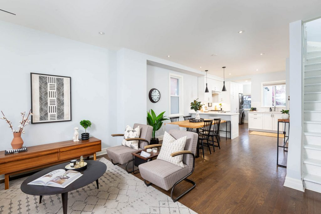 1 1-2 Montrose Ave Toronto ON M6J 2T7 – Living to Dining