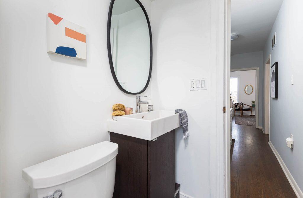 1 1-2 Montrose Ave Toronto ON M6J 2T7 – Main Bath 2