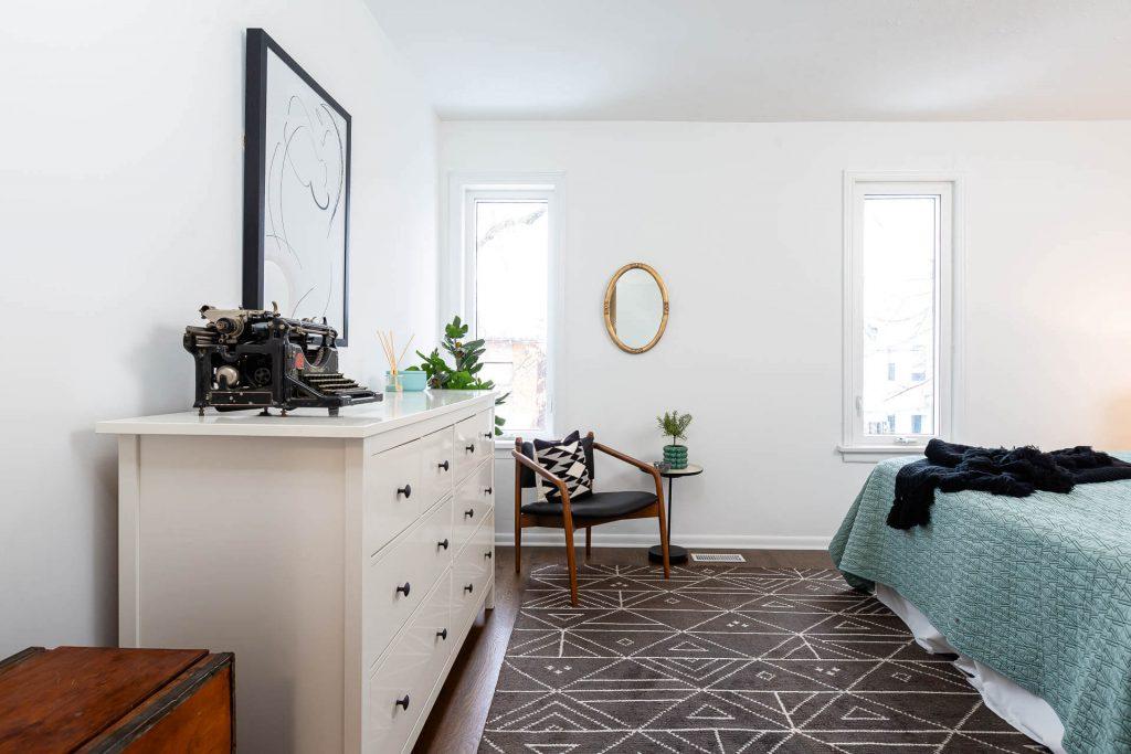 1 1-2 Montrose Ave Toronto ON M6J 2T7 – Master Bedroom